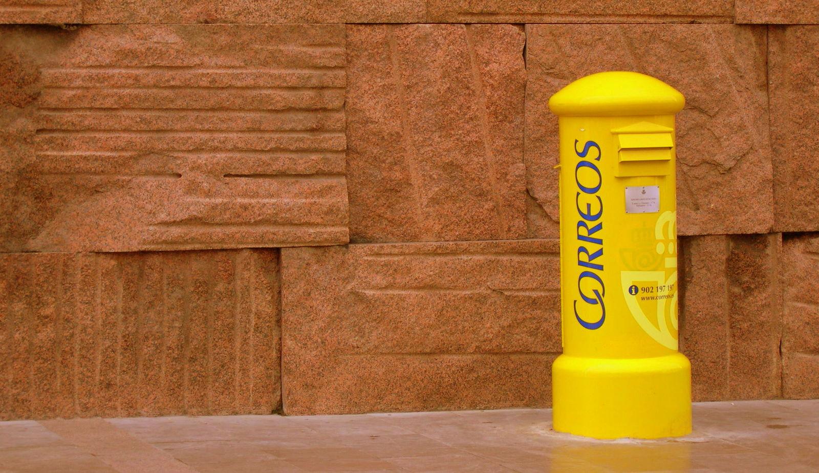 Fotograf a de buz n de correos recurso educativo 102123 for Oficina de correos barcelona